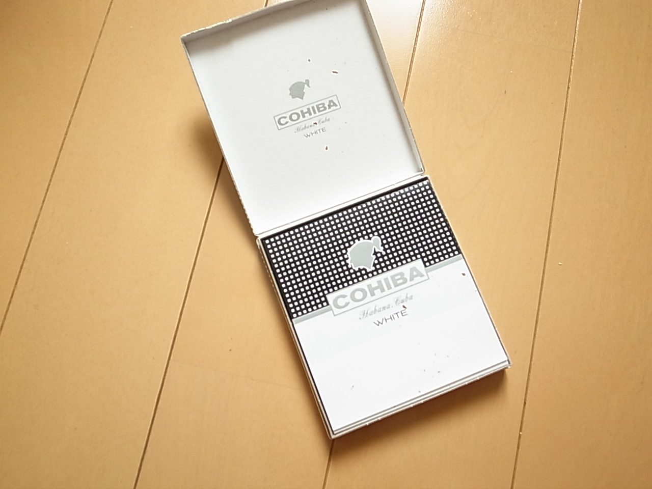 Cohiba mini white 4