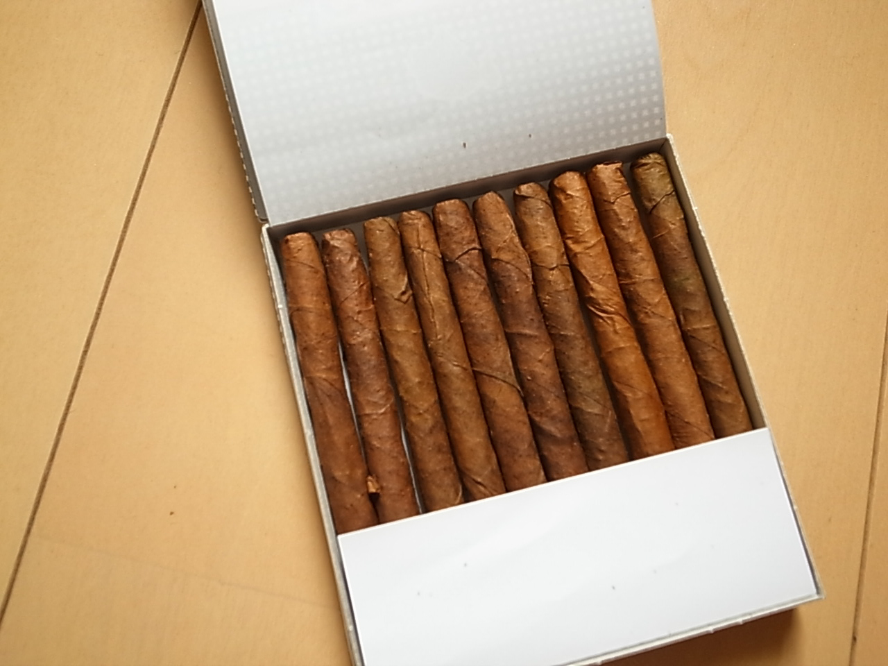 Cohiba mini white 5