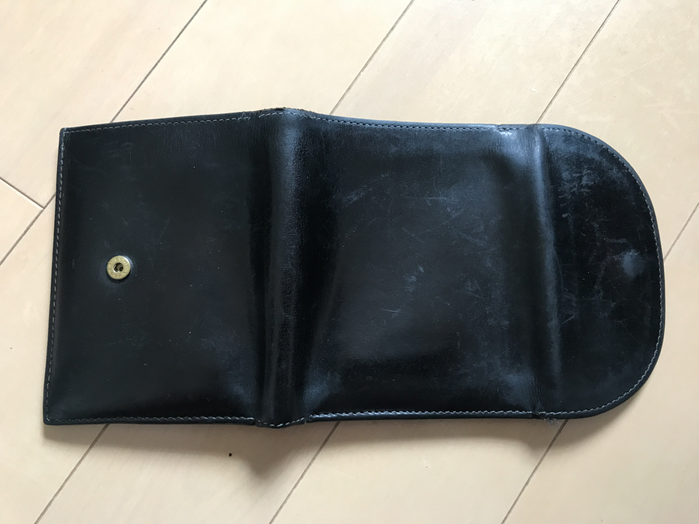 ホワイトハウスコックスの財布の表